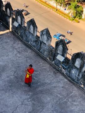 Blick von der obersten Plattform des Triumphbogens am Patuxay Park in Vientiane, Laos